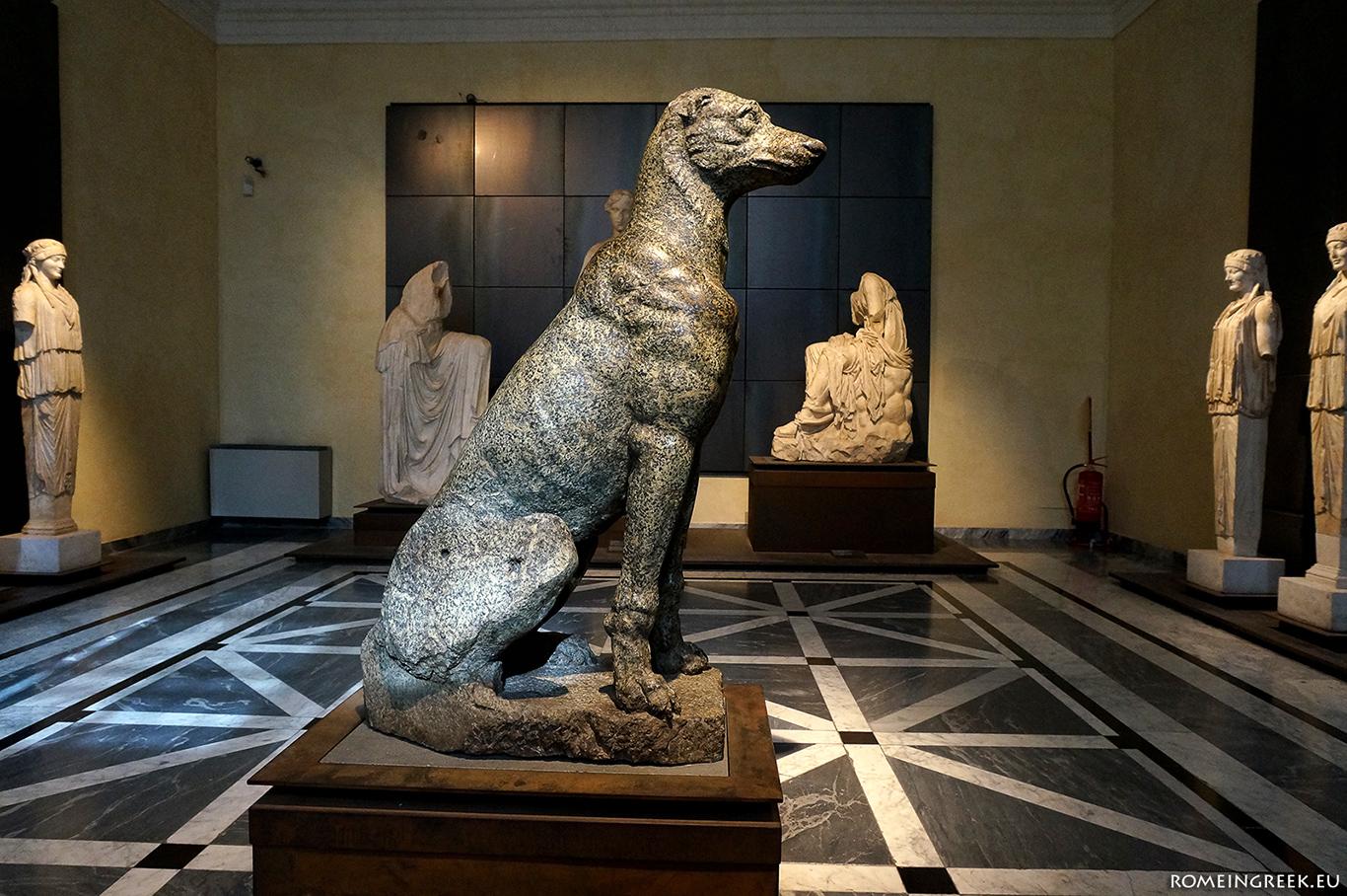Άγαλμα σκύλου