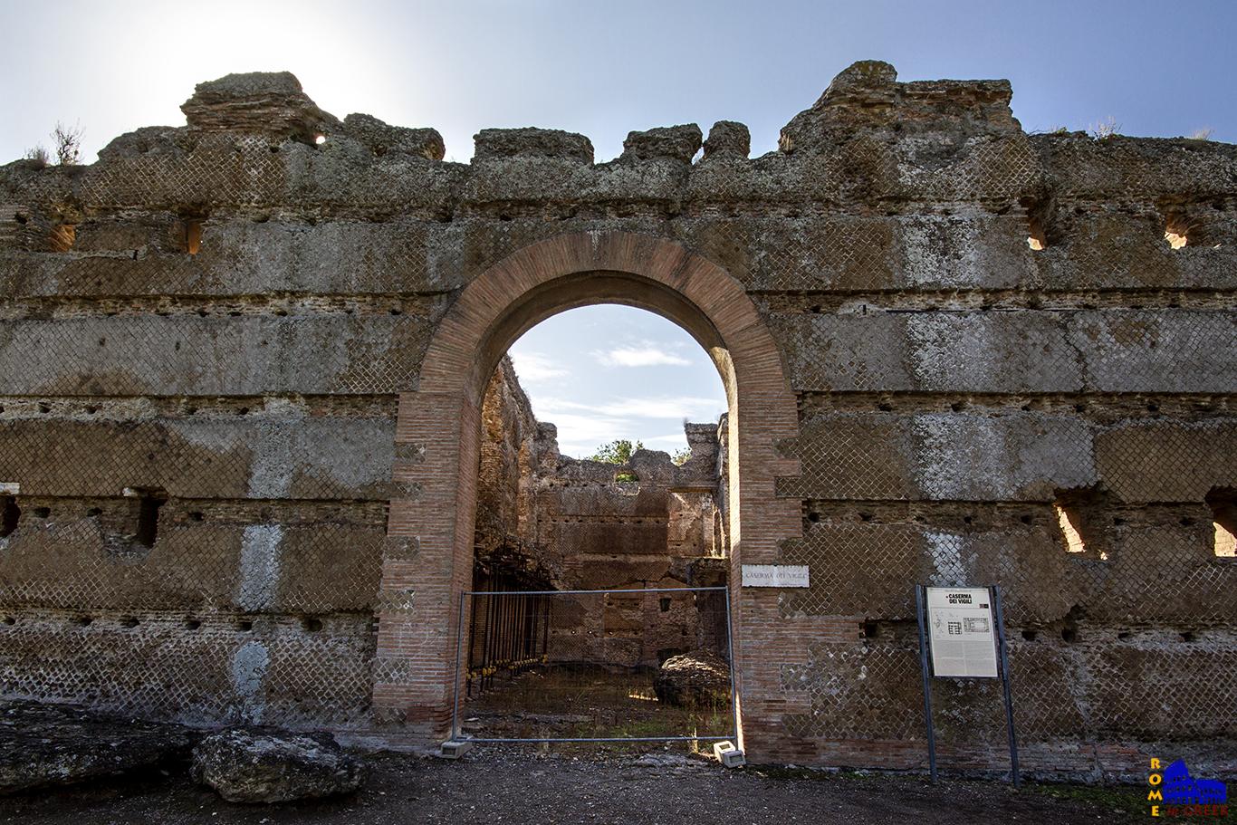 Έπαυλη του Αδριανού, Στρατώνας