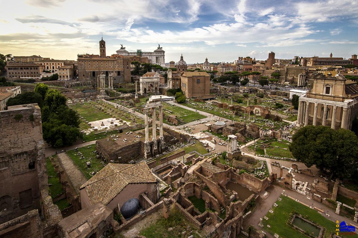 Ρωμαϊκή Αγορά από τον Παλατίνο λόφο