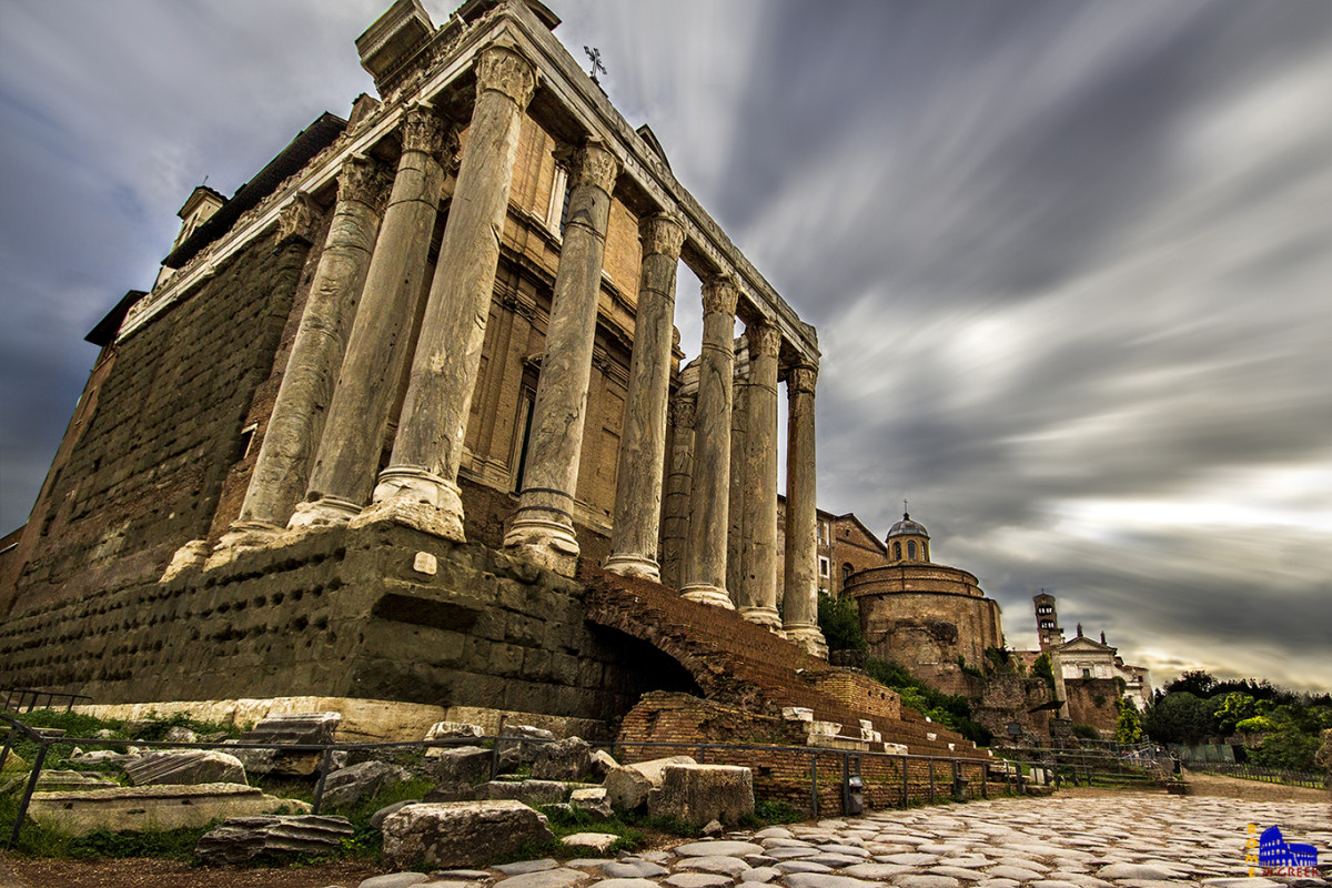 Ναός του Αντωνίνου και της Φαυστίνας