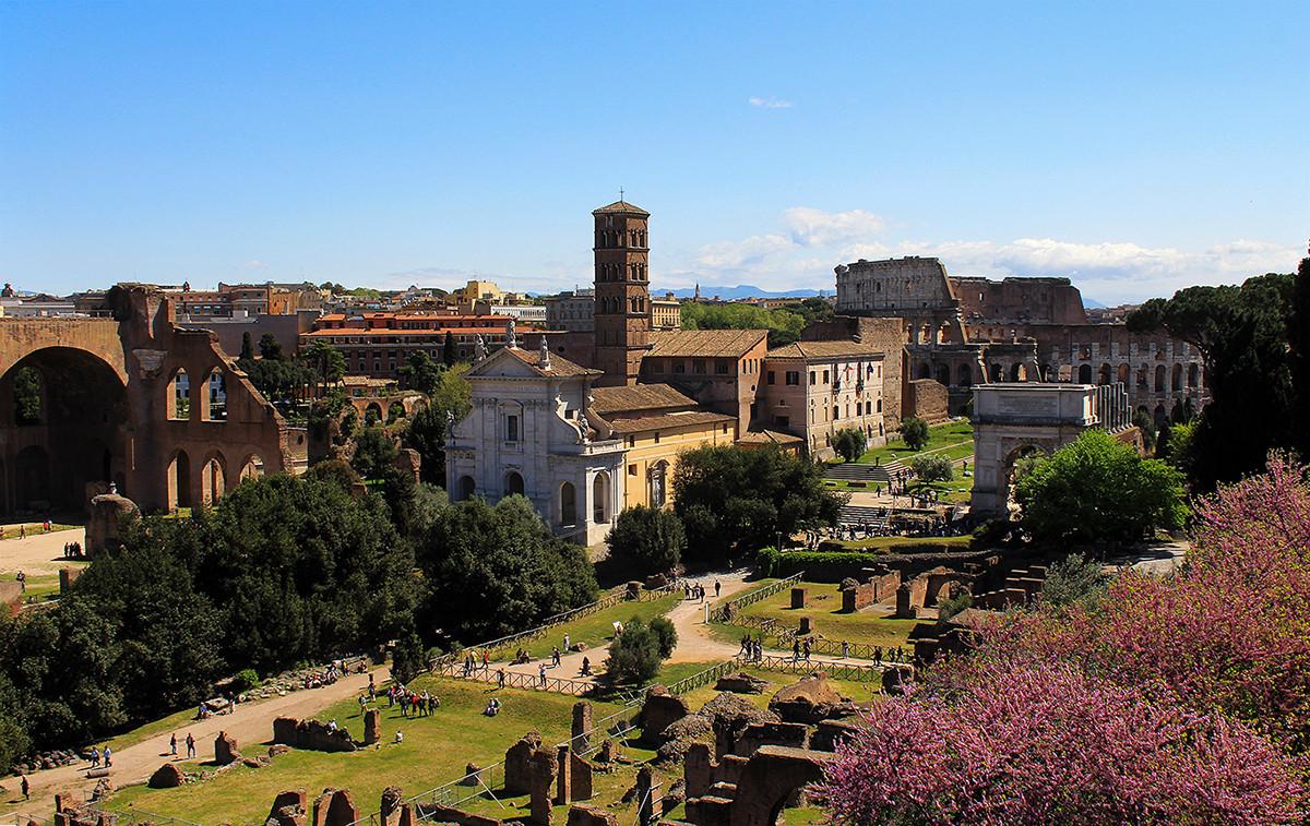 Η Σάντα Φραντσέσκα Ρομάνα και η Ρωμαϊκή Αγορά
