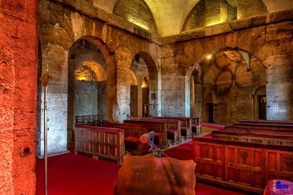 Το παρεκκλήσι των Ιπποτών. Η κύρια τοιχοποιία είναι ρωμαϊκής εποχής.