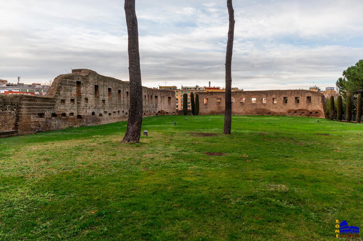 τα ερείπια της πρώτης βασιλικής