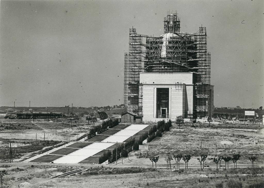 Το εργοτάξιο, 1940
