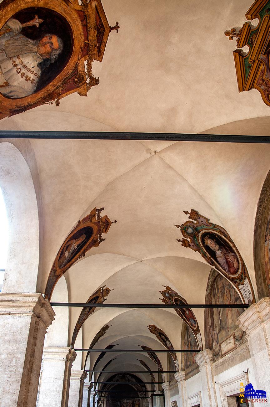 Διάδρομος με τα πορτραίτα διαφόρων Γάλλων βασιλέων.