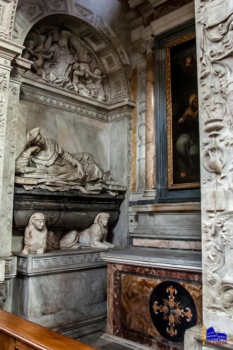 Ο τάφος του Angelo Cesi. Διακρίνεται το άγαλμα με την μορφή του ξαπλωμένο πάνω σε βιβλία.