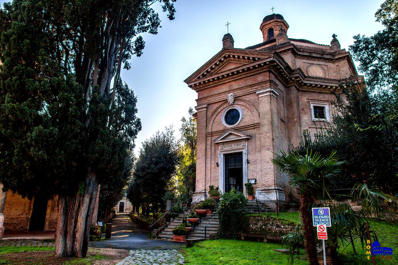 Santa Maria Scala Coeli και στο βάθος το δρομάκι που οδηγεί στον ναό του Μαρτυρίου του Απ. Παύλου
