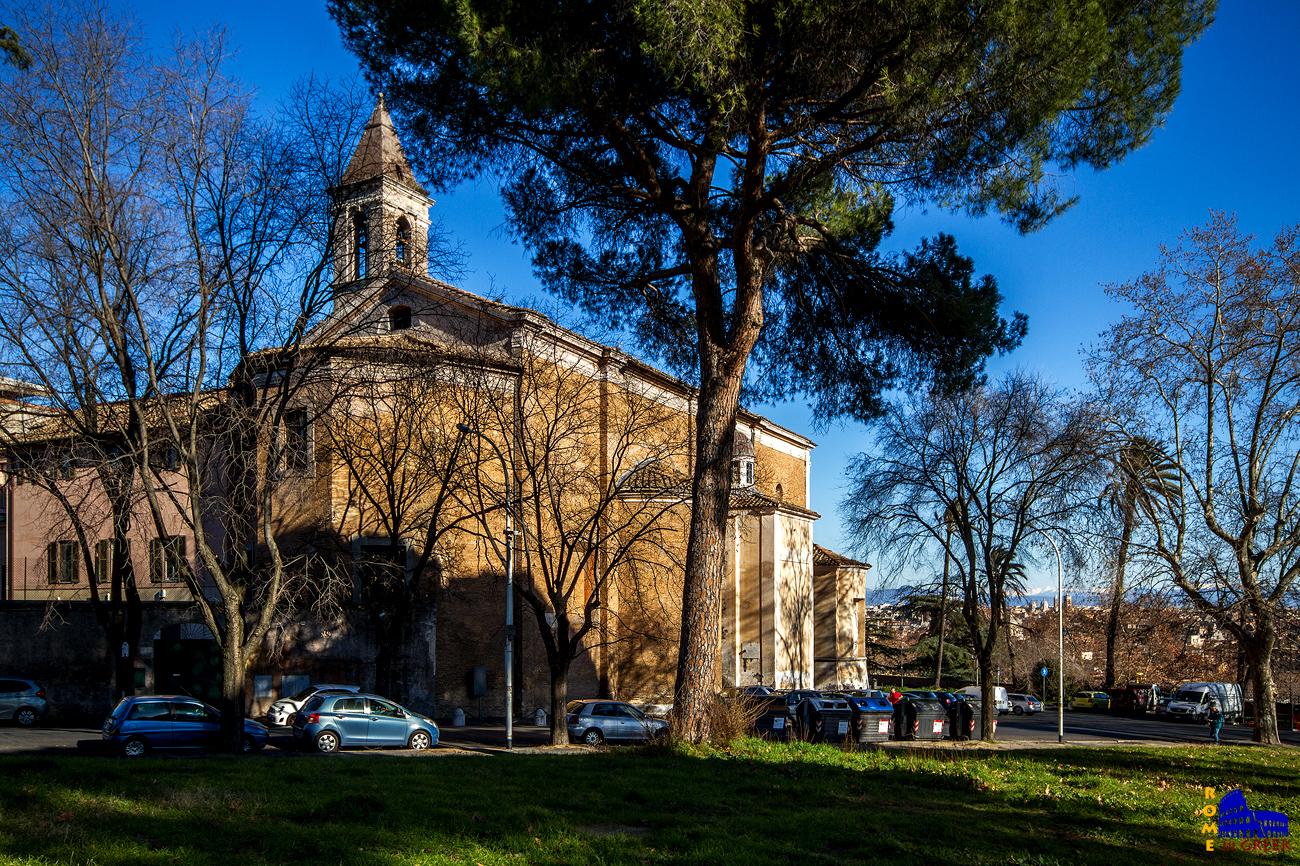 "San Pietro in Montorio. Η ονομασία «Montorio» προέρχεται από αλλοίωση του λατινικού ονόματος της περιοχής, ""Mons Aureus"" (χρυσό όρος), ονομασία που προέρχεται από το κιτρινωπό χώμα που χαρακτηρίζει το έδαφος."