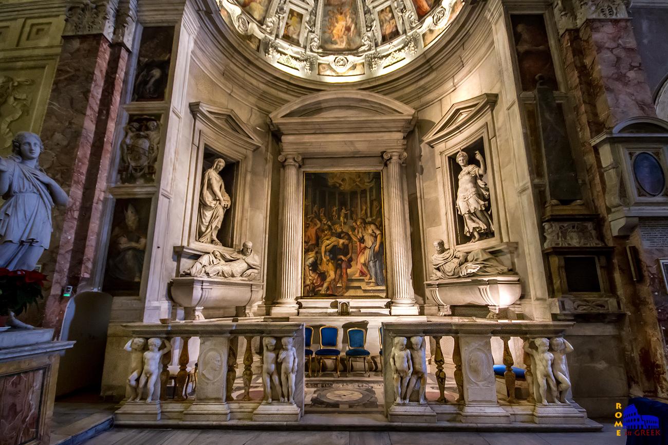 Παρεκκλήσι Del Monte. Φιλοξενεί τους τάφους των μελών της οικογένειας του πάπα Ιουλίου Γ΄. Στο κέντρο βρίσκεται η «Μεταστροφή του Παύλου», έργο του γνωστού G. Vasari.