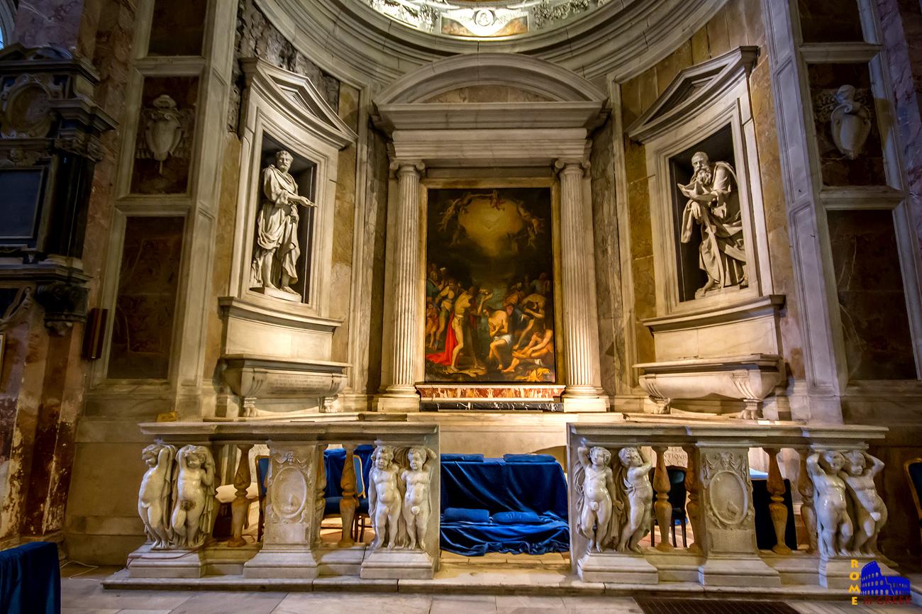 Το παρεκκλήσι Ricci σχεδιασμένο από τον Giuliano da Volterra. Στο κέντρο η «Βάπτιση του Χριστού» του Giulio Mazzoni (16ος αι.)
