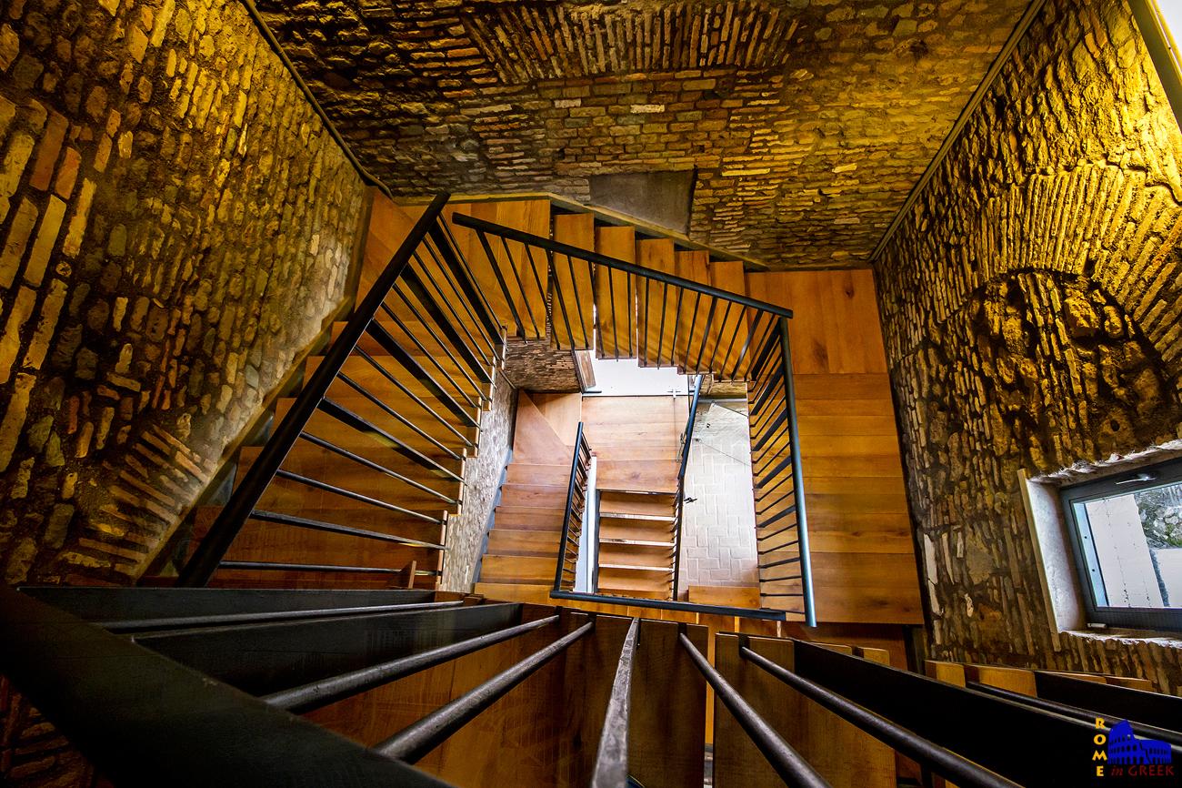 Το εσωτερικό του πύργου.